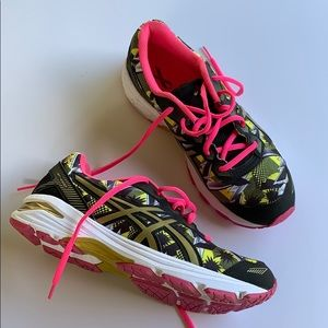 ASICS special edition GT 1000